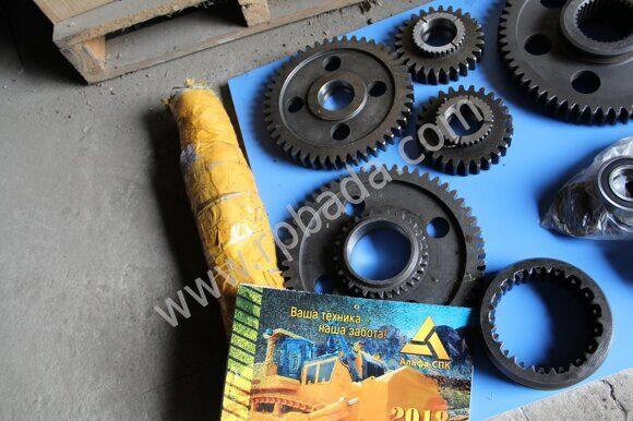Shantui SR12 Запчасти для ремонта КПП  грунтового катка